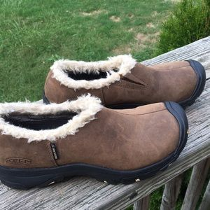 KEEN DRY WOMENS SIZE 7
